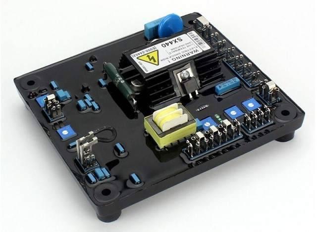 تنظیمکننده ولتاژ