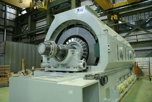 موتورهای سنکرون در ابعاد بزرگی ساخته میشوند.